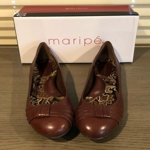 Sale! Brown Leather MARIPE Flats -  size 9